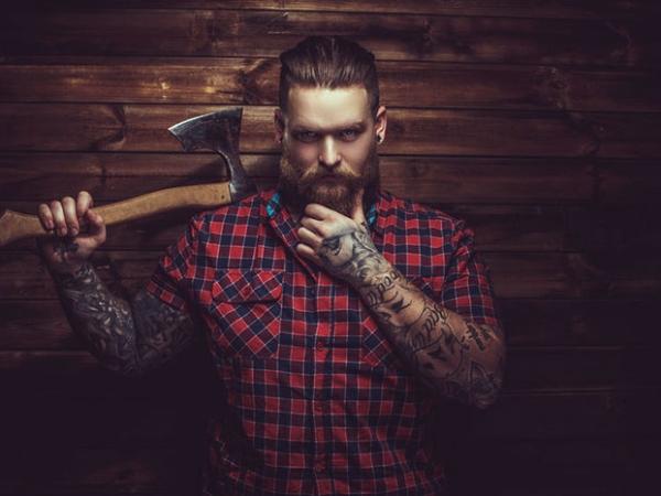 Bart im Bild – Tipps für ein Männer-Fotoshooting mit Gesichtsbehaarung